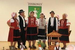 Spevácka skupina Senior - Matičiar pôsobiaca pri MO MS Nitra Chrenová.