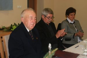 Zľava: predseda MO MS J. Havetta, podpredseda Š. Solčiansky a starostka obce Veľké Vozokany J. Pálková