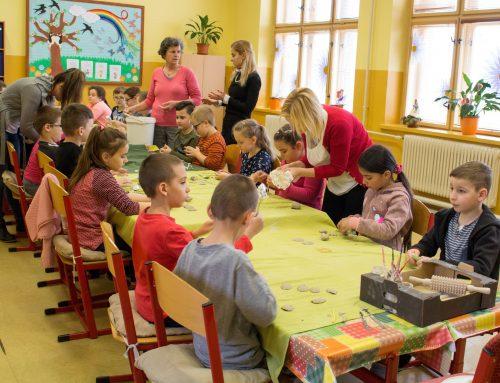 Práca detí vKeramickej dielni Domu MS Galanta – JAR 2019