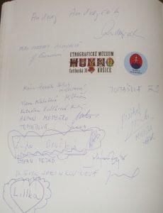 Vpamätnej knihe Východoslovenského múzea pribudol zápis opodujatí spodpismi účastníkov