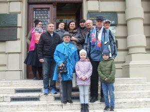 Účastníci podujatia pred Východoslovenským múzeom