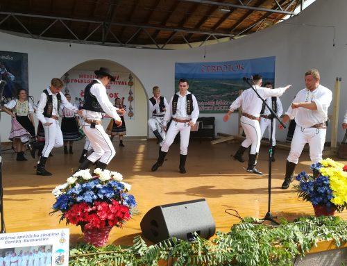 Slovenský Čerpotok ožil mládežníckym krajanským spevom i tancom po 15-krát