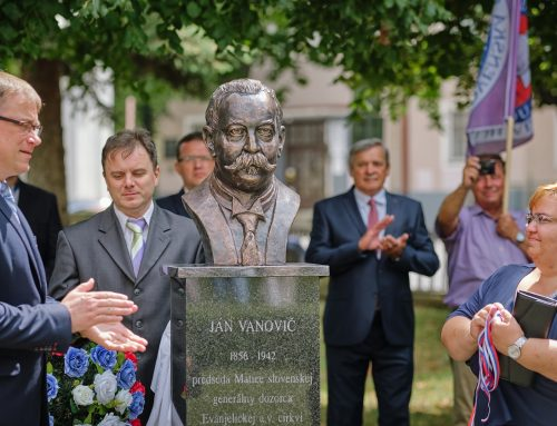 Oslavy storočnice oživotvorenia vyvrcholili odhalením busty Jána Vanoviča a slávnostným sprievodom mestom