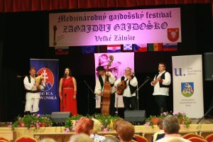 Hrvatski gajdaški orkestar