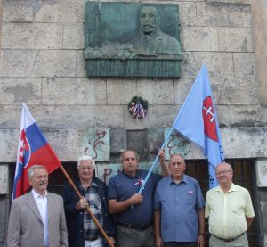 Pamätná tabuľa aj fasádu domu, kde žil v Košiciach Rehor Uram Podtatranský, by potrebovali očistu