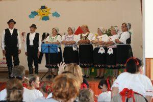 Folklórna skupina Studnička z Lúčnice nad Žitavou