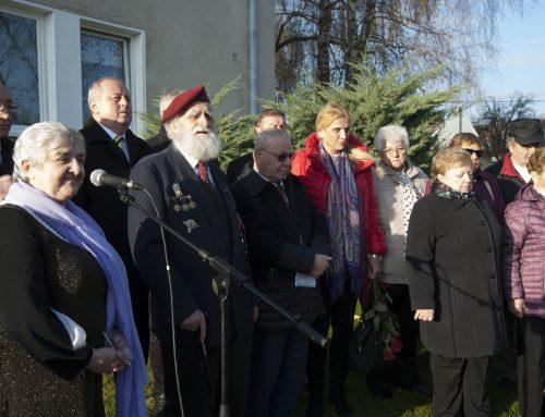 Slávnostné odhalenie pamätníka venovanému Jánovi Hruškovi a Praskovji Ševčíkovej