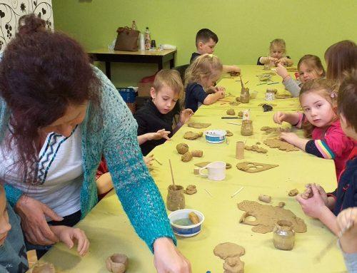 Tradičný materiál, alebo ako približujeme hlinu a tradičné remeslá deťom.