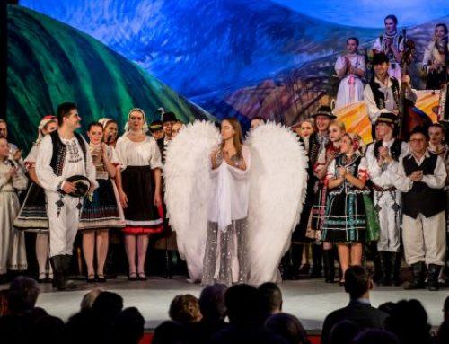 Známi divadelníci sa vrátili na javisko Domu MS v Komárne, tlieskali im matičiari z celého Slovenska