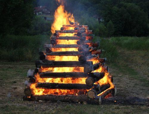 13. ročník mladomatičnej májovej vatry v Hencovciach