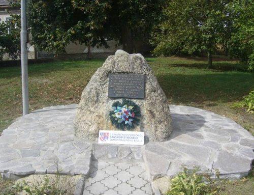 Oprava pamätníka predkov Novoklenovčanov