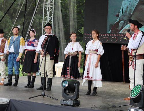FOTO: Matičné kroje s filmovým príbehom na Slovenskom dni kroja v Banskej Bystrici